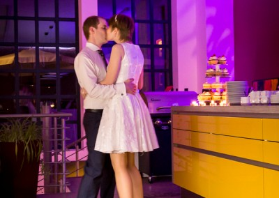 Hochzeitstanz in der Küche