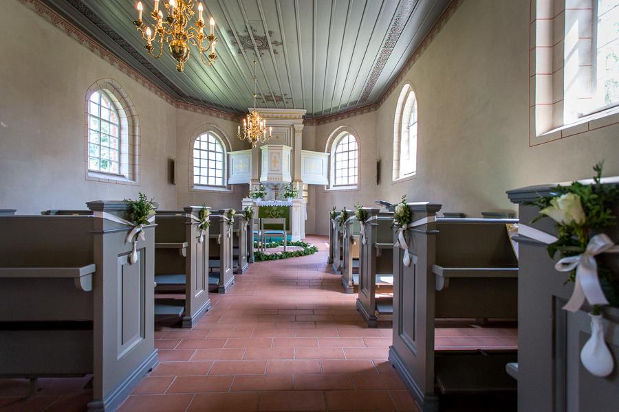 die kleine Kirche in Binnen