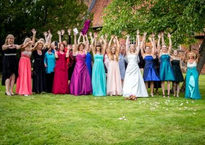 die Braut & ihre Mädels