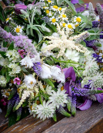 Wiesenblumen Brautstrauss